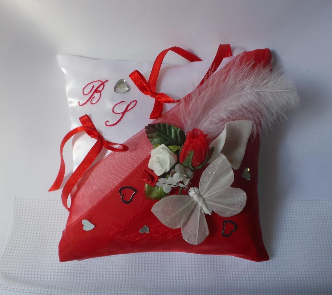 Coussin porte alliances rouge thème papillon (3)