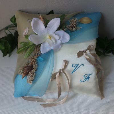 coussin de mariage thème mer beige turquoise