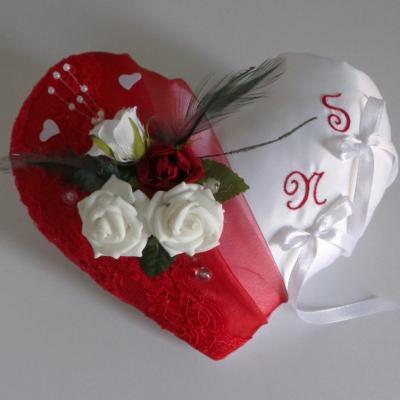 Coussin porte alliances coeur rouge romantique (1090)