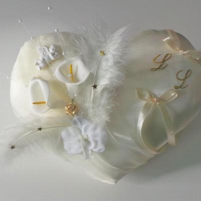 coussin mariage coeur ivoire et or décoration ange