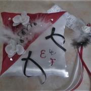 coussin mariage Cendrillon rouge blanc noir (petit soulier)