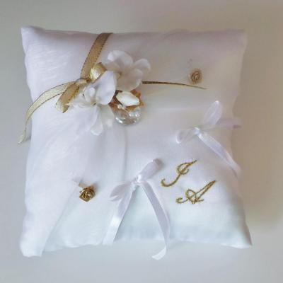 coussin mariage chic blanc et or