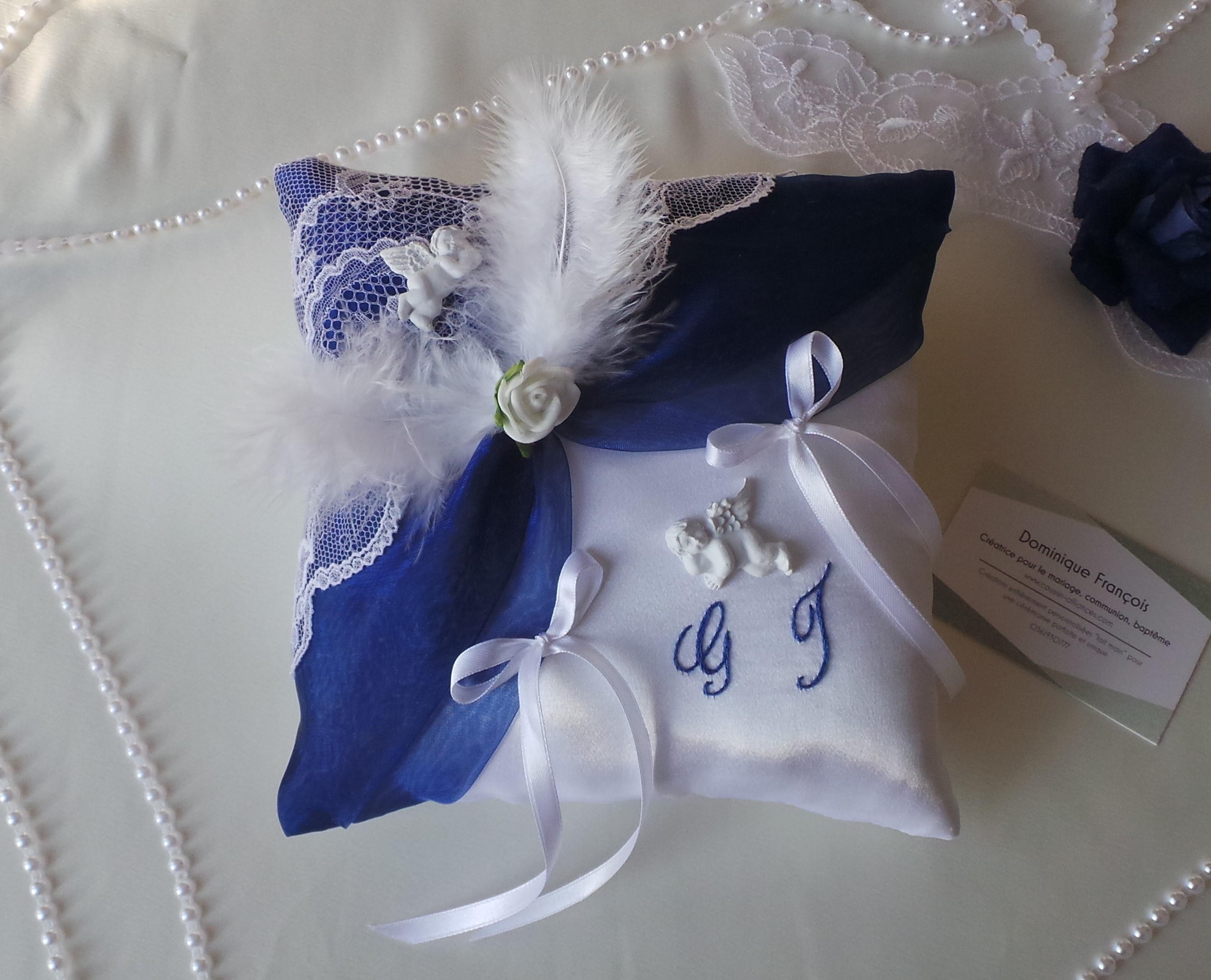 Coussin mariage bleu roi blanc thème ange (1)