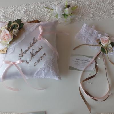 coussin mariage champêtre chic dentelle blanc fait main jarretière assortie