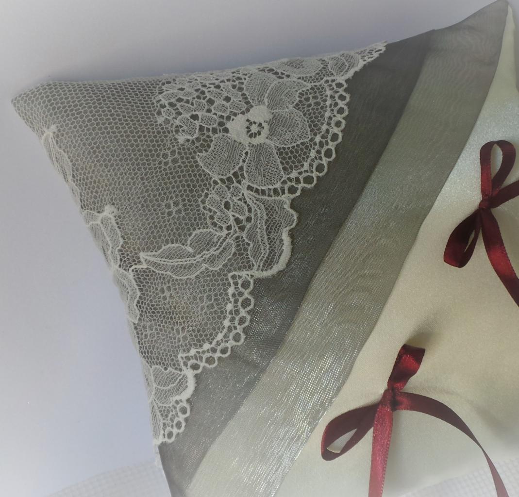 coussin mariage dentelle ivoire gris argent  (32)