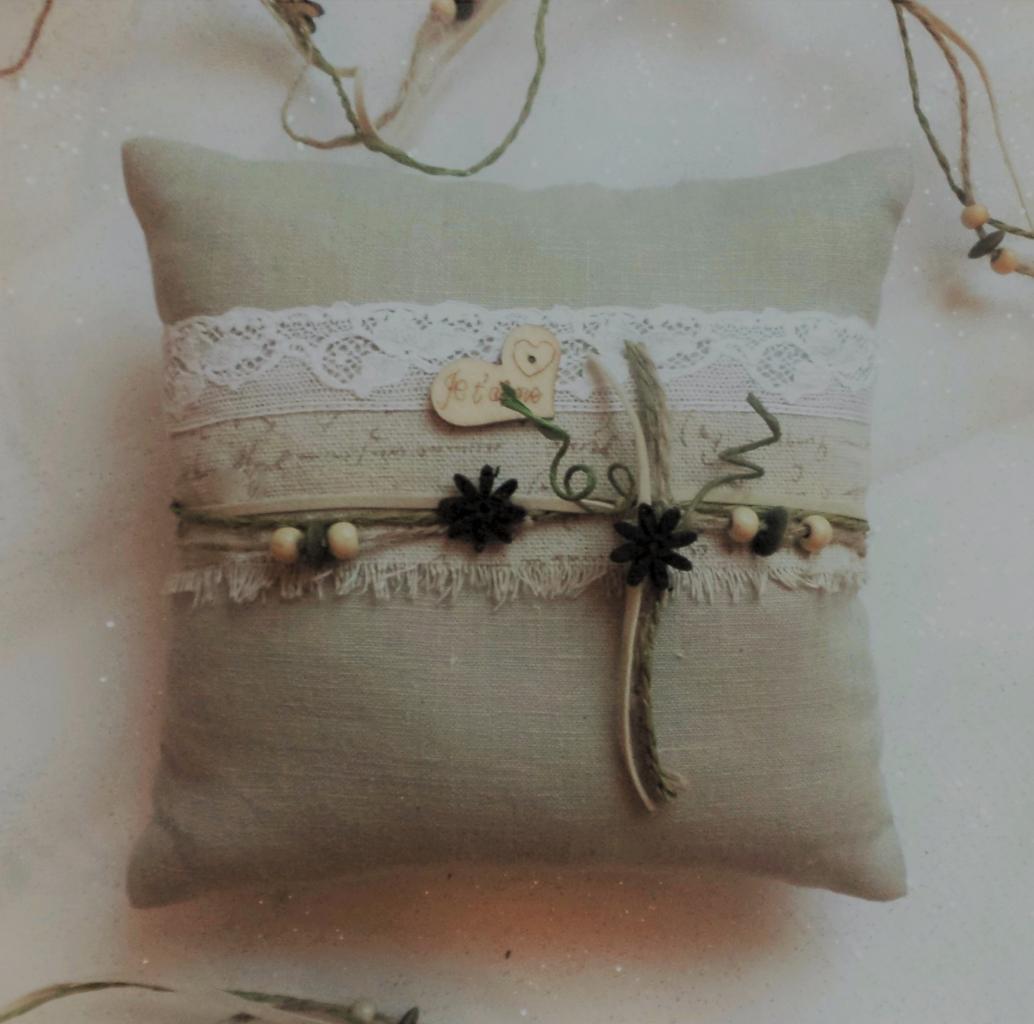 coussin mariage lin dentelle galon ficelle et perle, écriture