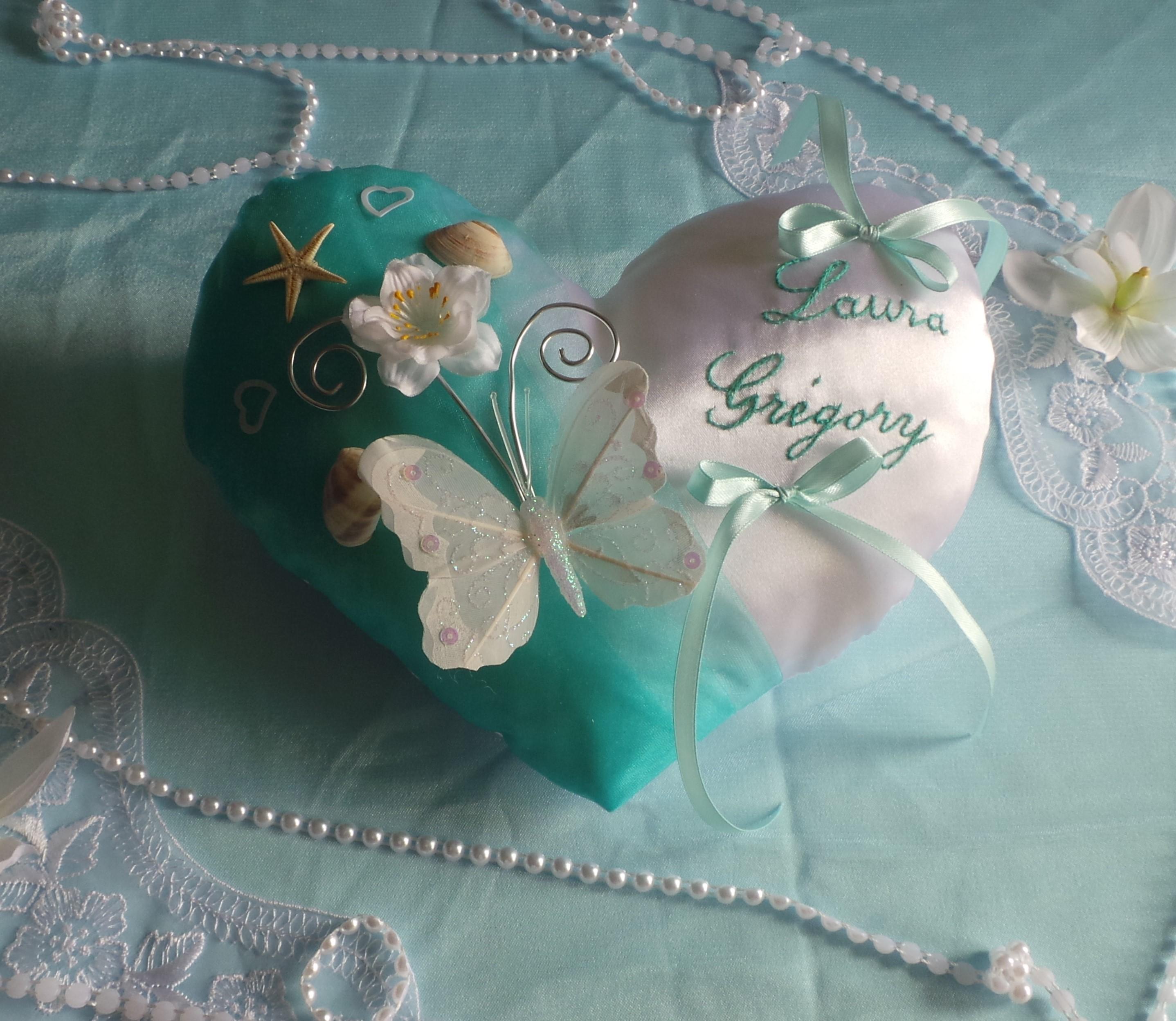 Coussin de mariage coeur vert d'eau, vert lagon