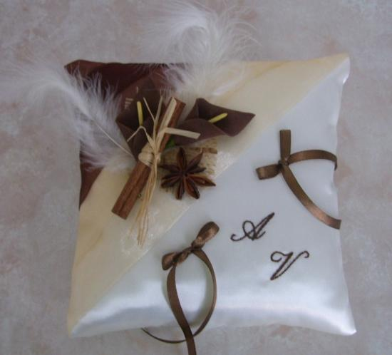 coussin alliance chocolat beige épices