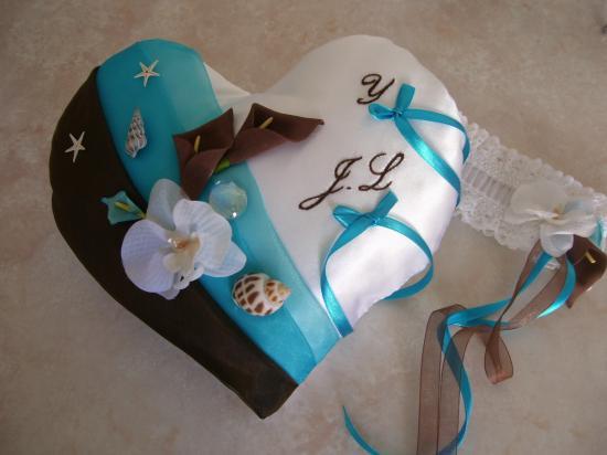 coussin mariage coeur chocolat turquoise jarretière assortie