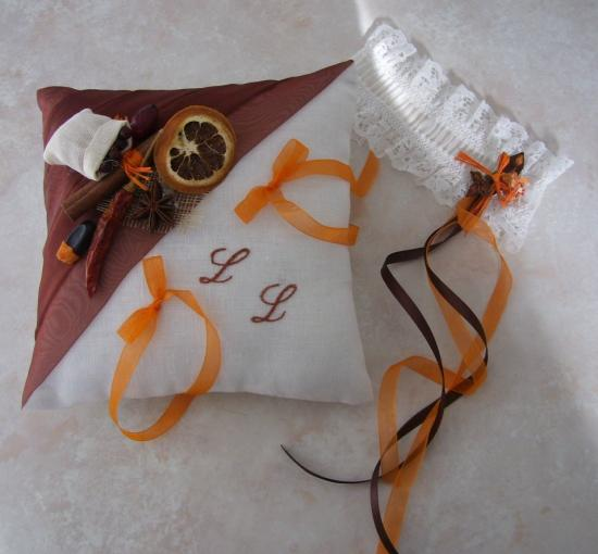 Coussin alliances épices marron orange