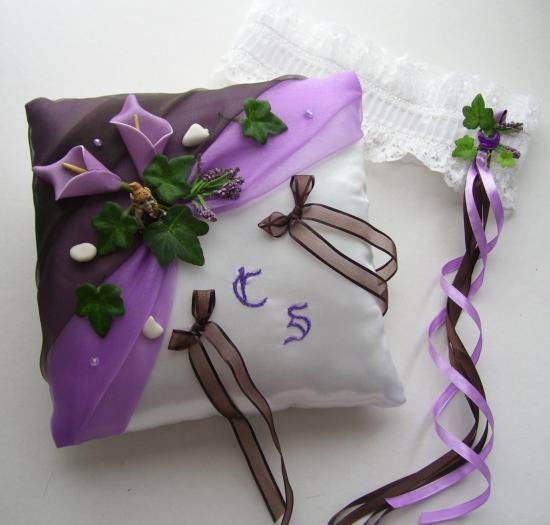 """coussin alliances prune/parme/violet """"légendes médiévales"""""""