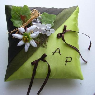 coussin alliances chocolat anis, vigne, montagne