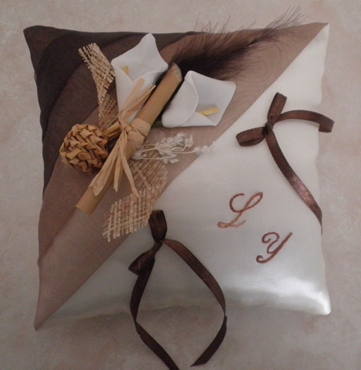 Coussin alliance chocolat beige, coussin alliances marron ivoire