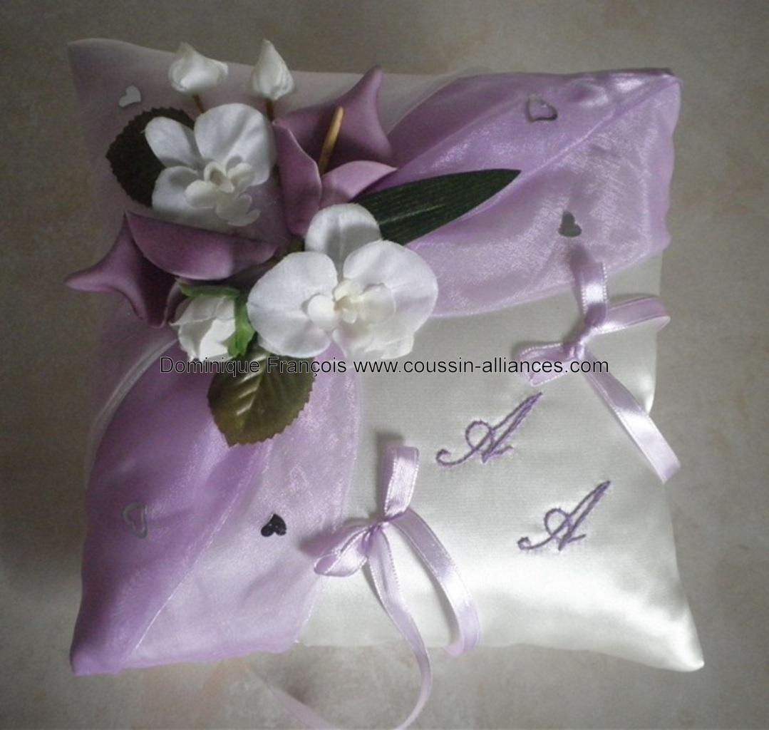 Coussin alliances parme ivoire orchidées