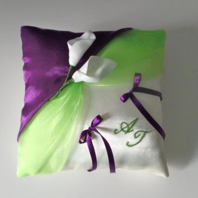 Coussin d'alliances organza vert pomme et violet
