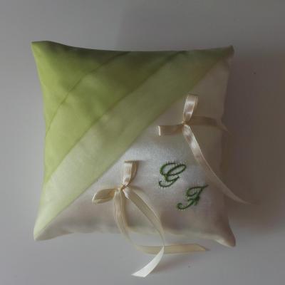 coussin alliances vert anis clair ivoire