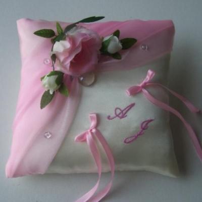 Aurelie lilourose tendre les roses brode 00