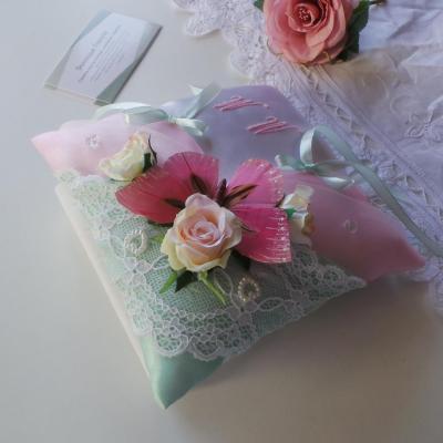 Coussin alliance champetre chic boheme vert et rose pastel personnalise