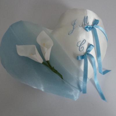 Coussin alliance coeur bleu ciel pastel personnalise