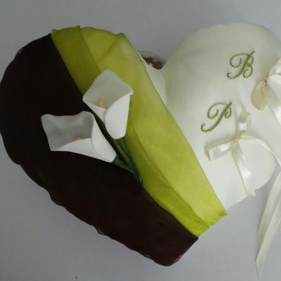 Coussin alliance mariage coeur marron chocolat anis