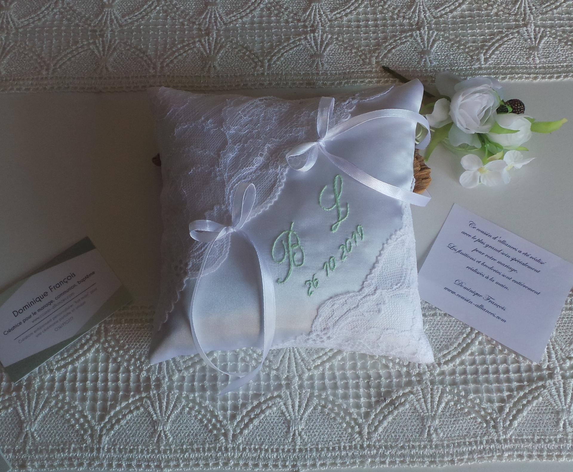 Coussin alliance mariage blanc vert pastel personnalise