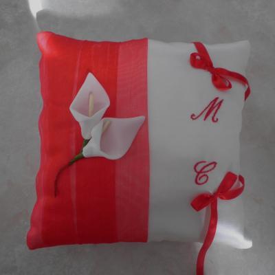 Coussin alliance original rouge blanc ou ivoire personnalise