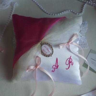 Coussin alliance personnalise rose fuchsia fushia fuchia