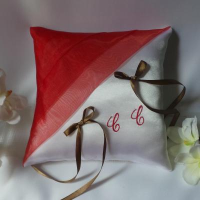 Coussin de mariage personnalise rouge et blanc fait main