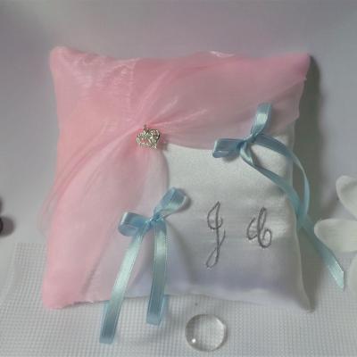 Coussin alliance rose pastel blanc bleu clair