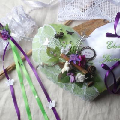 Coussin alliances anis violet foret enchantee 1
