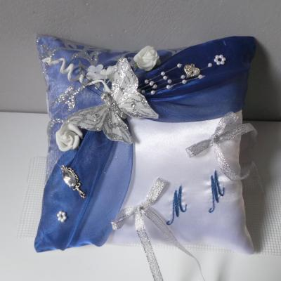 Coussin alliances bleu roi marine argent papillon