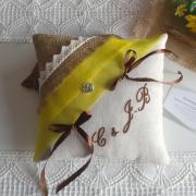 Coussin alliances champetre chic campagne jaune tournesol jute lin dentelle