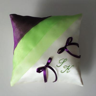 Coussin mariage chic anis violet personnalise