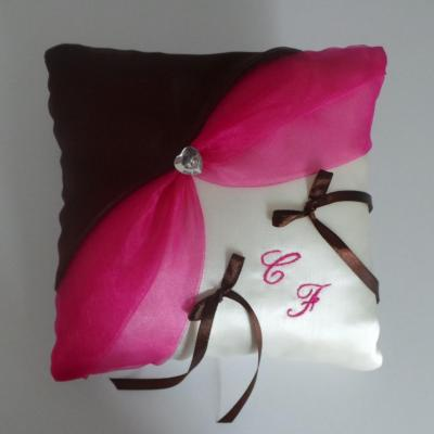 Coussin alliances chic fuchsia marron chocolat personnalise