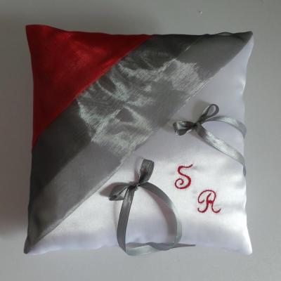 Coussin mariage chic gris rouge personnalise