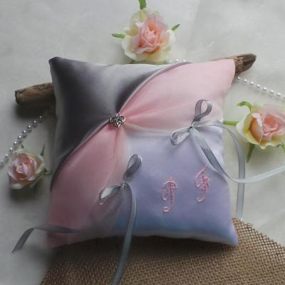 Coussin alliances chic mariage 49