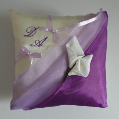 Coussin alliance parme et violet personnalisé fait main