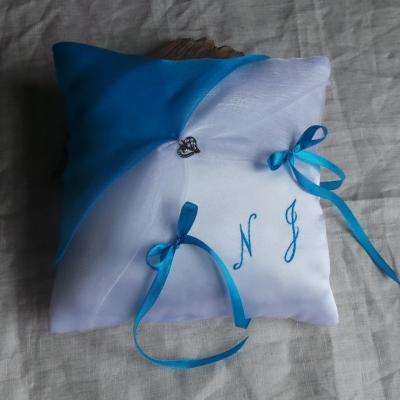 Coussin alliances chic turquoise blanc