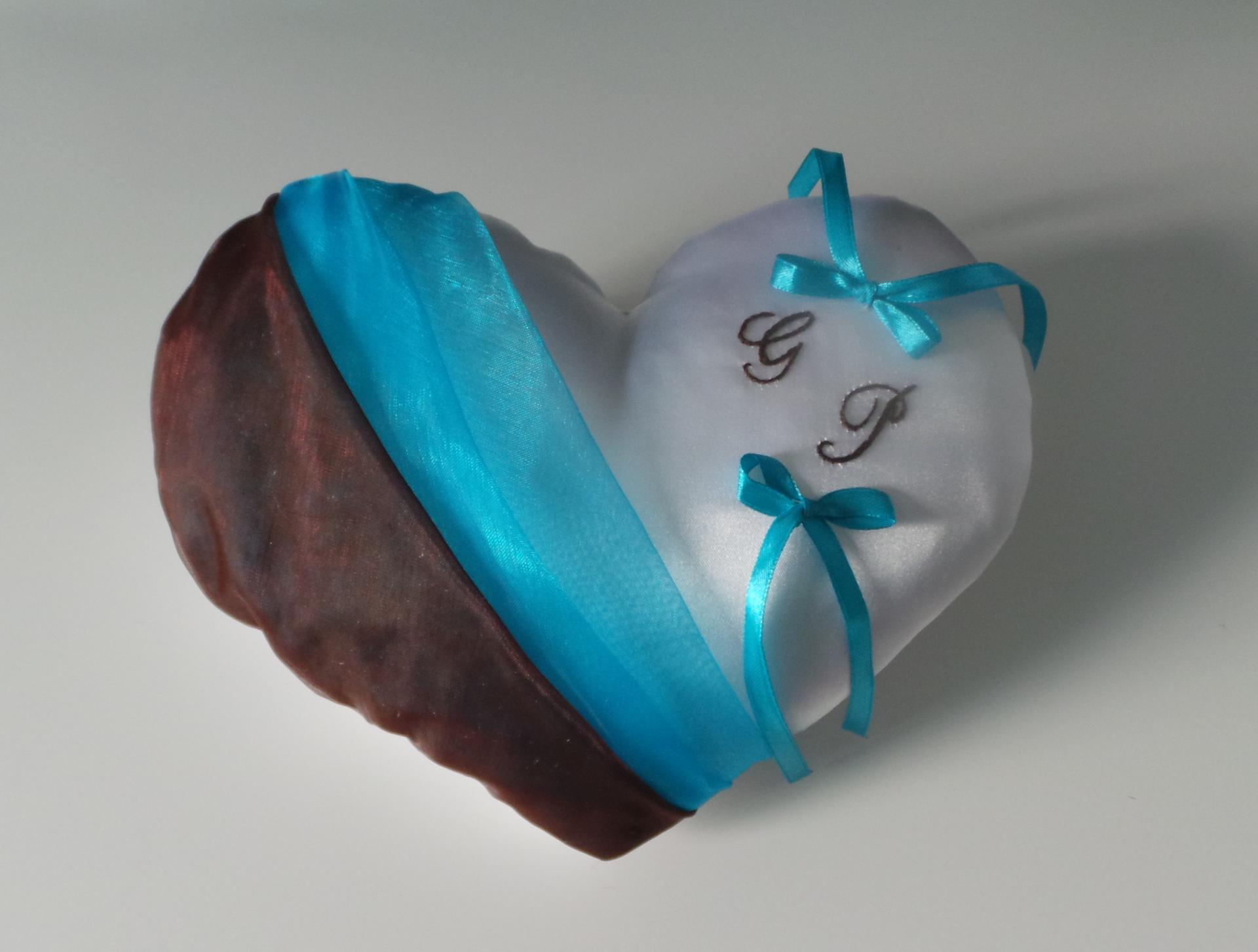Coussin alliances coeur chocolat turquoise
