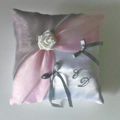 Coussin alliances gris rose 8