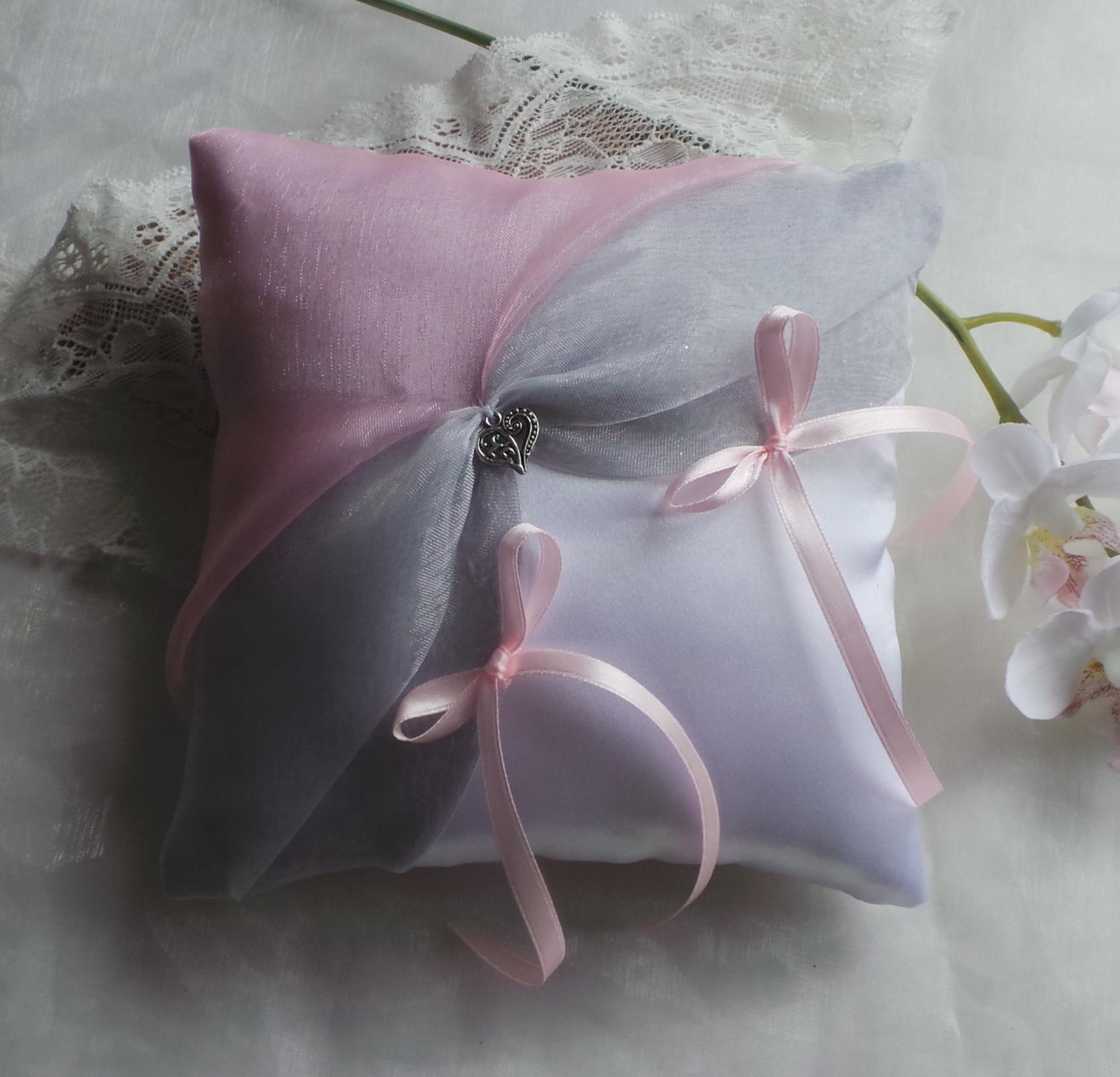 Coussin alliances gris rose blanc ou ivoire personnalise