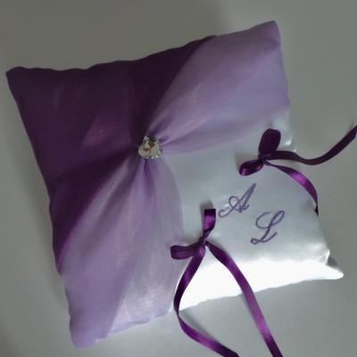 Coussin alliances parme violet prune personnalisé