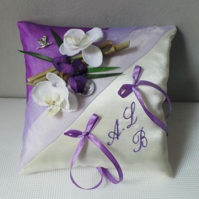 Coussin d alliances violet parme blanc