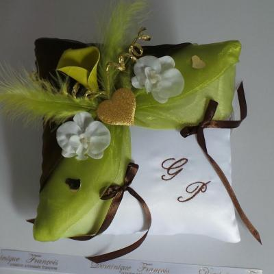Coussin mariage anis chocolat or