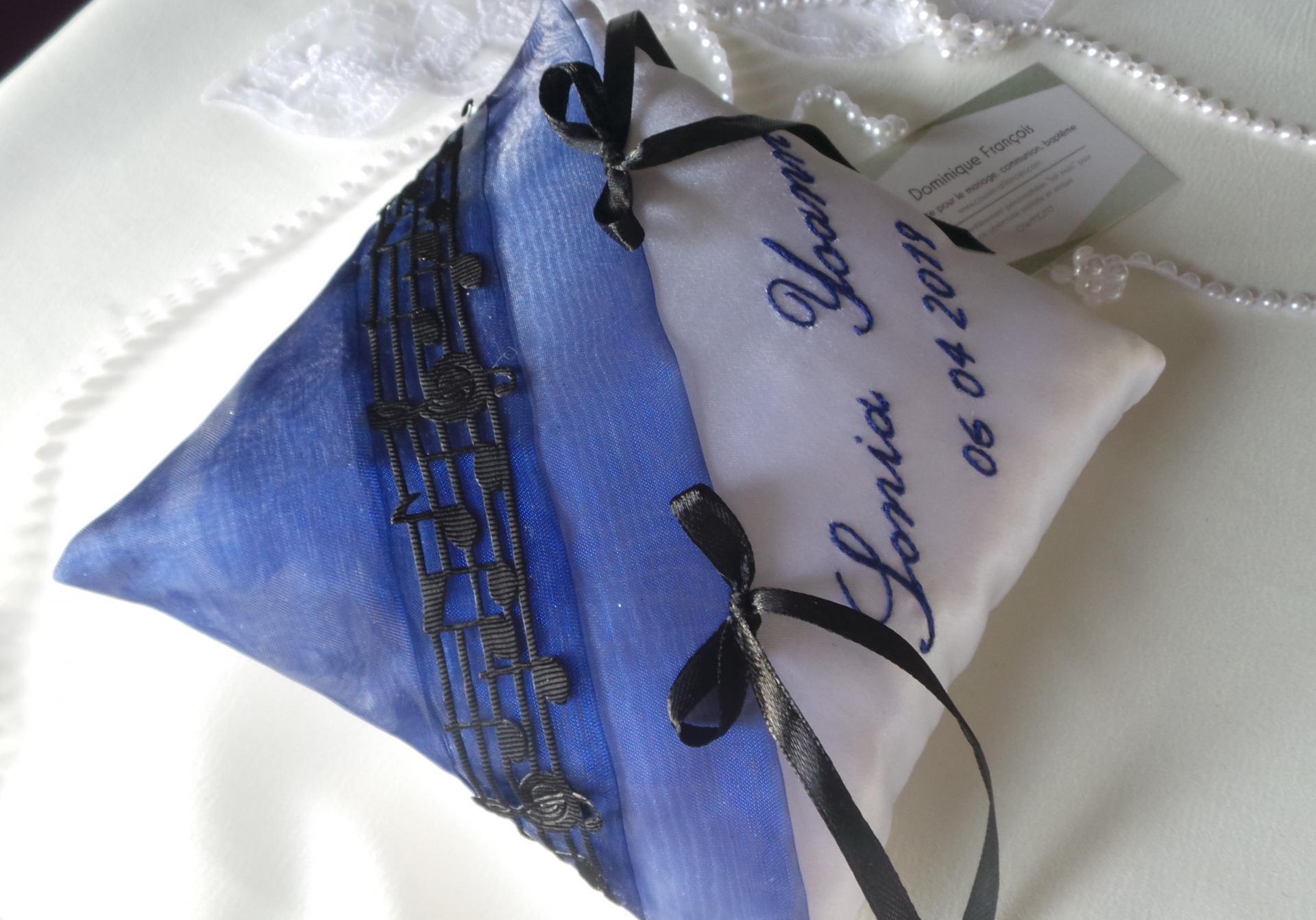 Coussin mariage bleu roi blanc musique prenom entier