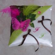 Coussin mariage champetre anis chocolat fuchsia papillon
