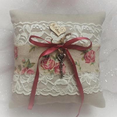 Coussin mariage champetre lin coton fleuri dentelle
