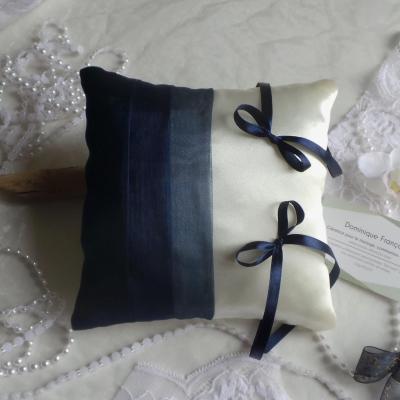 Coussin mariage chic bleu marine roi nuit 38