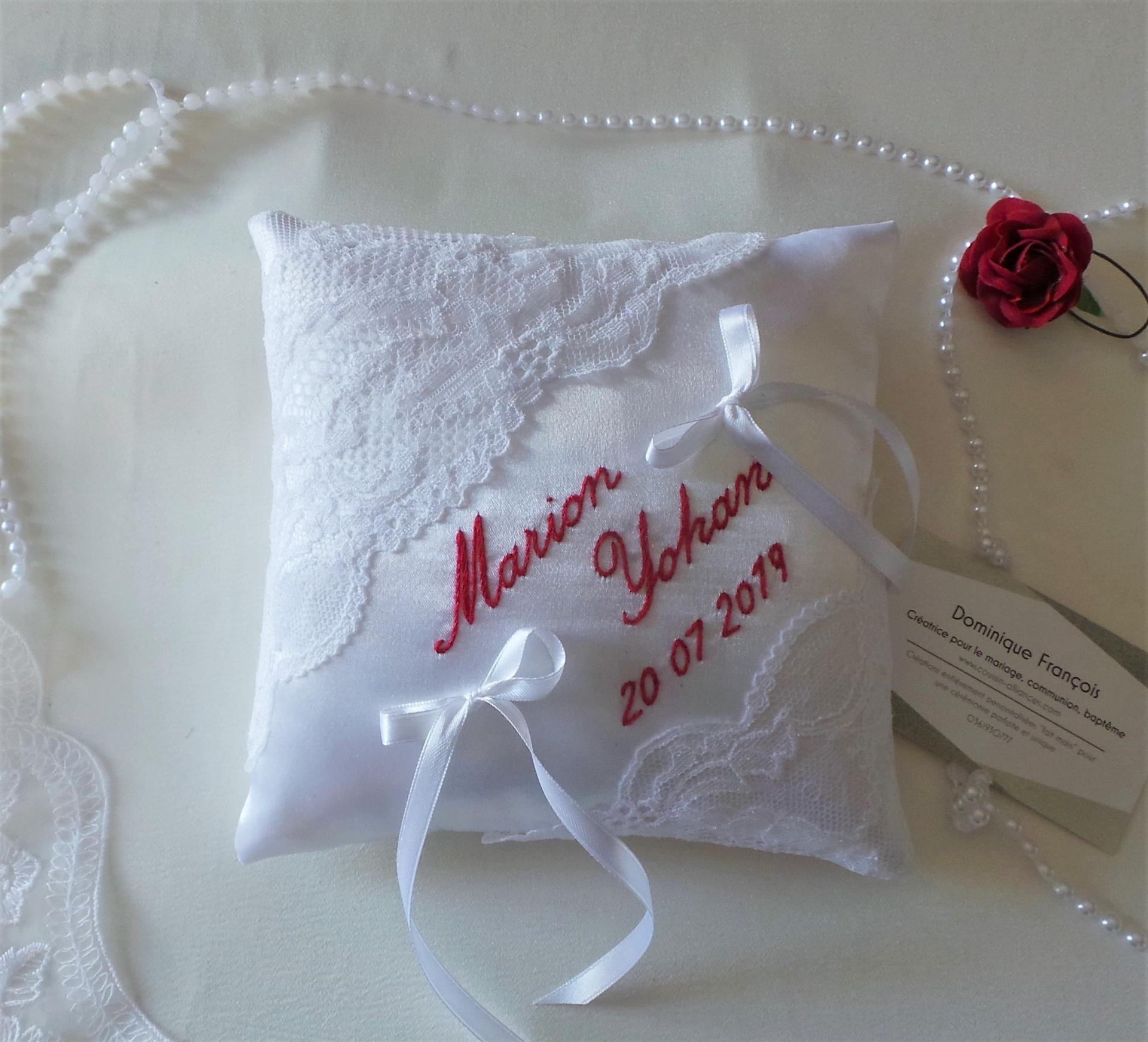 Coussin mariage chic dentelle calais blanc rouge 2