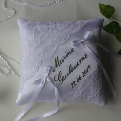 Coussin mariage chic personnalise blanc vert